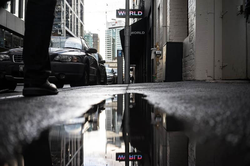 ガラスレザー 雨