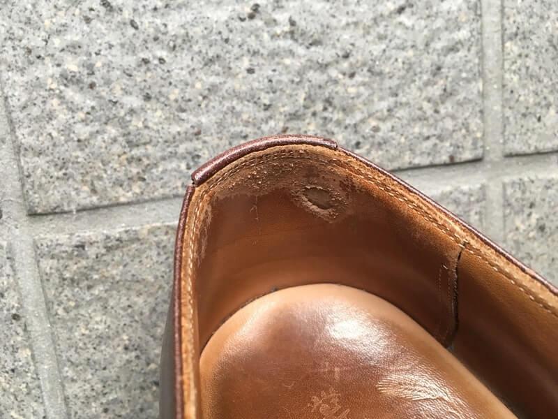 革靴 痛み 内側