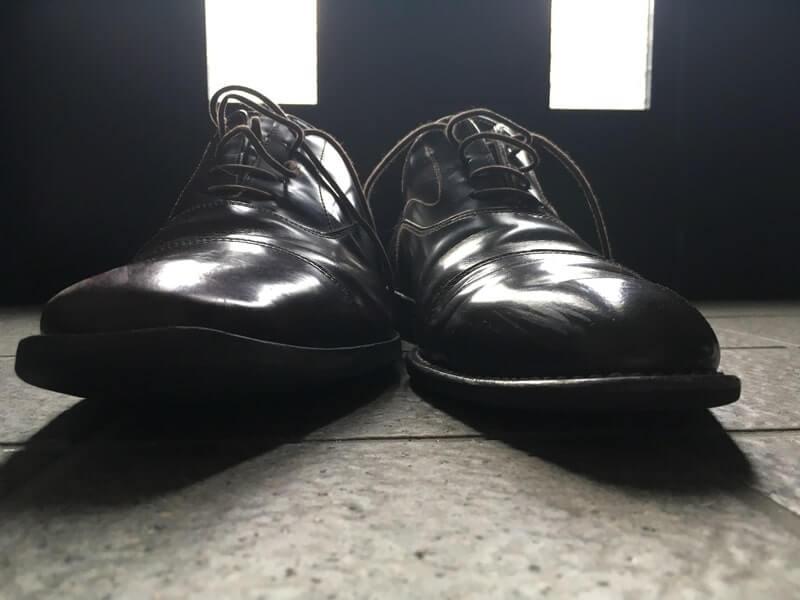 革靴 そり返り
