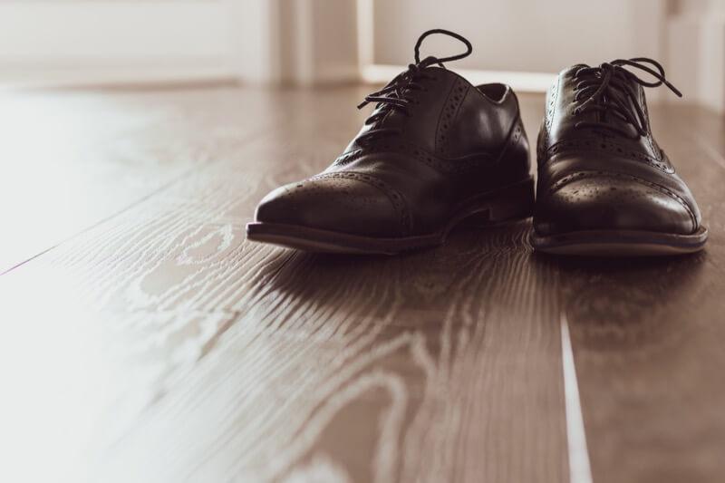 domenico-loia-hGV2TfOh0ns-unsplashメインビジュアル 革靴